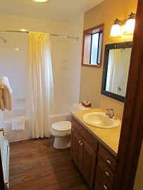 RDTH Bath 2